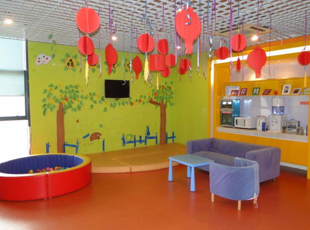 未来宝贝早教中心--大厅游玩区